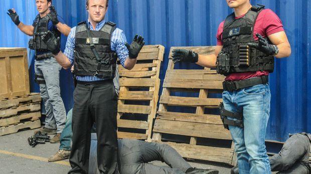 Ein neuer Fall beschäftigt das Team: Steve (Alex O'Loughlin, M.), Danny (Scot...