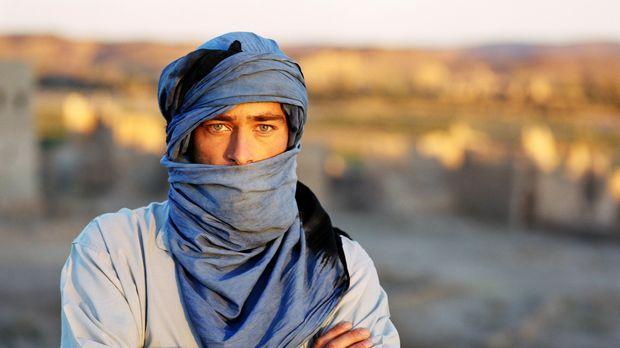 Er muss sich Julias Entführern im Irak stellen: Sascha (Jan Sosniok) ... © Pr...