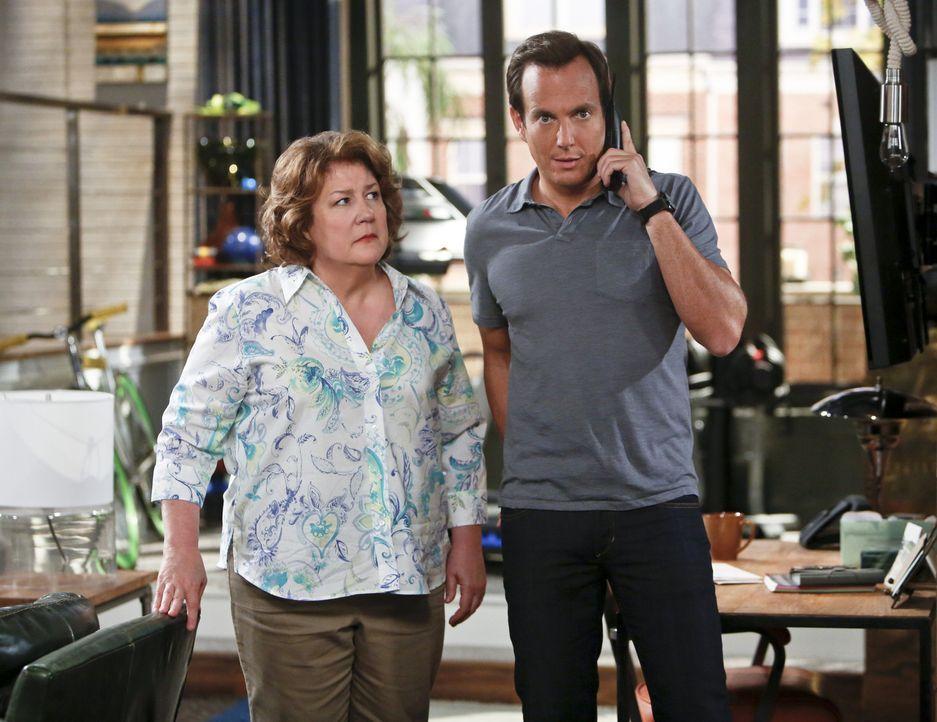 Sind sich nicht immer einig: Carol (Margo Martindale, l.) und Nathan (Will Arnett, r.) ... - Bildquelle: 2013 CBS Broadcasting, Inc. All Rights Reserved.
