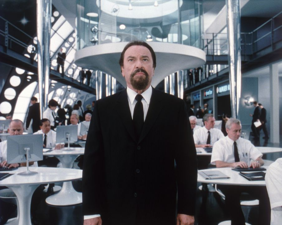 Das Oberhaupt der 'Men in Black': Zed (Rip Torn) ... - Bildquelle: 2003 Sony Pictures Television International