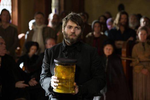 Salem - Reverend Mather (Seth Gabel) ist sich sicher, dass die Monstrengeburt...