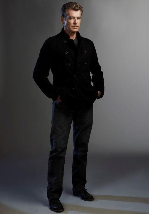 Nach dem Tod seiner Frau zieht sich der Schriftsteller Mike Noonan (Pierce Brosnan) in sein abgelegenes Ferienhaus am See zurück. Doch schon bald wi... - Bildquelle: 2011 Sony Pictures Television Inc. All Rights Reserved.