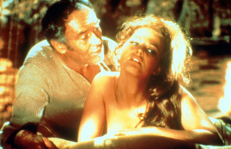 Die junge Witwe Jill (Claudia Cardinale, r.) ist wieder auf Freiersfüßen und verfällt dem Charme von Frank (Henry Fonda, l.) ... - Bildquelle: Paramount Pictures