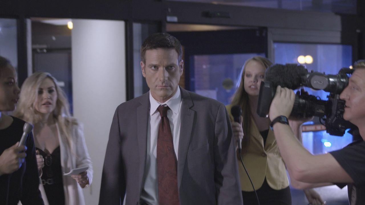 Gleich zwei Fälle hat Lt. Joe Kenda (Carl Marino, l.) dieses Mal zu lösen - den Mord an Willie McCarty und einen Vergiftungsanschlag auf ein Krankha... - Bildquelle: Jupiter Entertainment