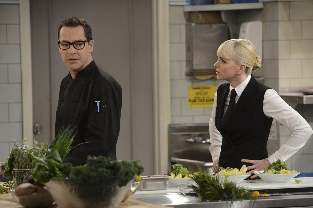 Christy (Anna Faris, r.) ist entsetzt, als sie dahinterkommt, dass Rudy (French Stewart, l.) ihre Mutter nur sexuell ausnutzt ... - Bildquelle: Warner Brothers Entertainment Inc.
