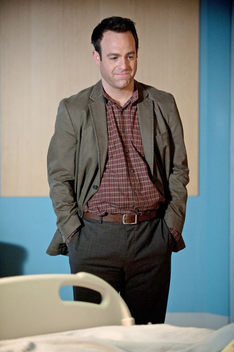 Scott, der zusammengeschlagen wurde, trifft in der Notaufnahme ein und wird Pete zugewiesen, während sich Cooper (Paul Adelstein) große Sorgen um... - Bildquelle: ABC Studios
