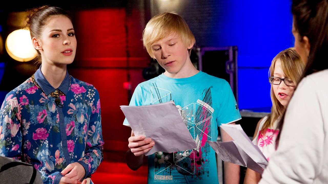 The-Voice-Kids-epi04-Laurin-Laura-SAT1-Richard-Huebner - Bildquelle: SAT.1/Richard Hübner