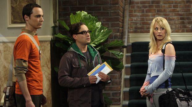 Leonard (Johnny Galecki, M.) und Sheldon (Jim Parsons, l.) werden Zeuge von P...
