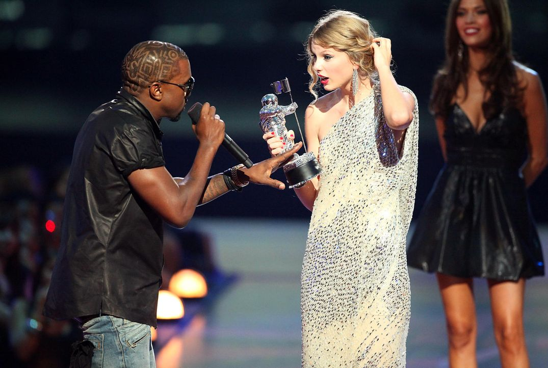 MTV-VMAs-Kayne-West-Taylor-Swift-09-09-13-gettyAFP.jpg 2000 x 1343 - Bildquelle: getty-AFP/AFP