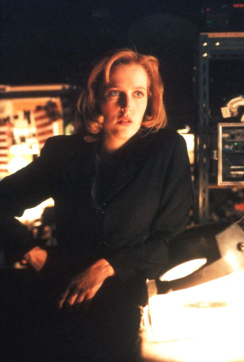 Special Agent Dana Scully (Gillian Anderson) ist entsetzt, als ihr Mulder seinen schrecklichen Verdacht mitteilt ... - Bildquelle: TM +   Twentieth Century Fox Film Corporation. All Rights Reserved.