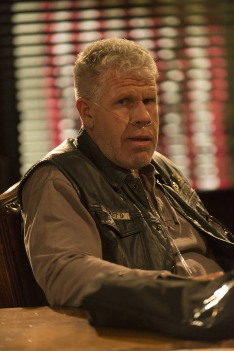 Sollte sich Clay (Ron Perlman) wirklich zu einem besseren Menschen gewandelt haben? - Bildquelle: 2012 Twentieth Century Fox Film Corporation and Bluebush Productions, LLC. All rights reserved.