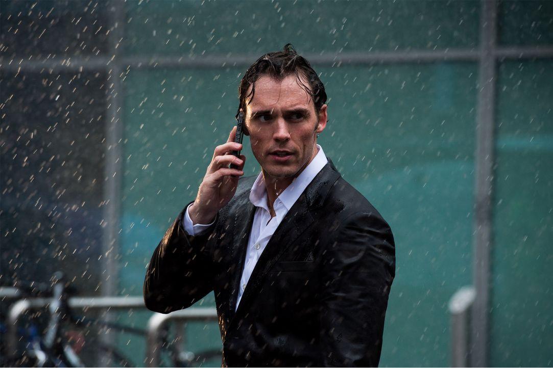 Sam_Claflin_rain - Bildquelle: Warner Bros. Pictures