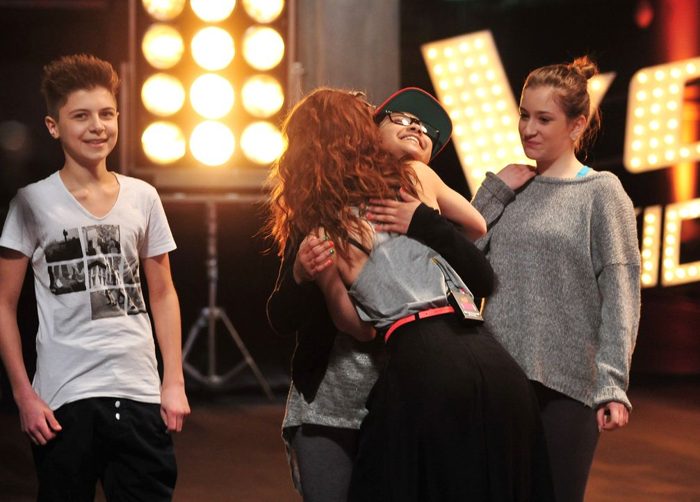 The-Voice-Kids-Stf02-Epi06-Naomi-Selma-Lukas-90-SAT1-Andre-Kowalski - Bildquelle: SAT.1/Andre Kowalski