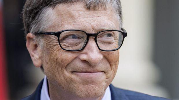 Bill Gates hat allen Grund, gut drauf zu sein, denn er gehört zu den reichste...