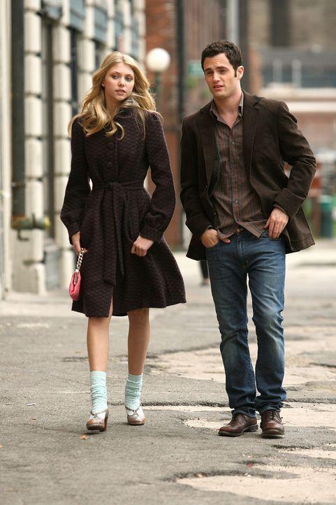 Jenny (Taylor Momsen, l.) und ihr Bruder Dan (Penn Badgley, r.) sollen Thanksgiving gemeinsam mit der Familie van der Woodsen verbringen. Ob das gut... - Bildquelle: Warner Brothers