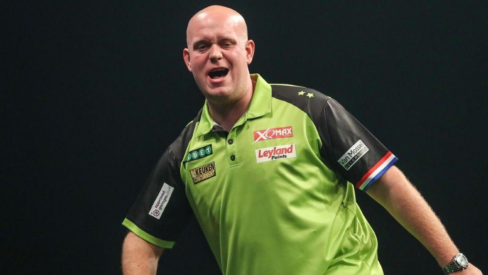 Van Gerwen holte sich den Titel gegen Smith - Bildquelle: FIROFIROSID