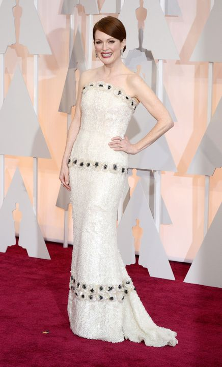 Julianne Moore Red Carpet 2 - Bildquelle: dpa
