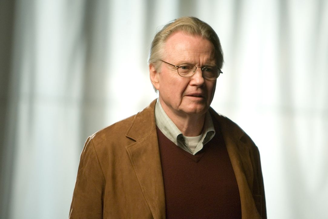 Kann und will nicht glauben, dass sein Urgroßvater ein schmieriger Verräter war: Patrick Gates (Jon Voight) ... - Bildquelle: Disney Enterprises, Inc.  All rights reserved.