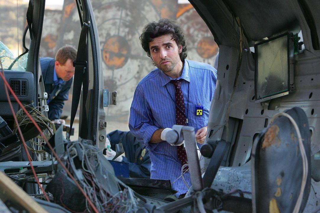 Ermitteln am Tatort: Charlie (David Krumholtz, r.) und David (Alimi Ballard, l.) ... - Bildquelle: Paramount Network Television