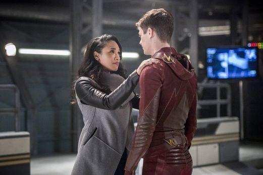 The Flash - Während sich Iris (Candice Patton, l.) auf den bald bevorstehende...