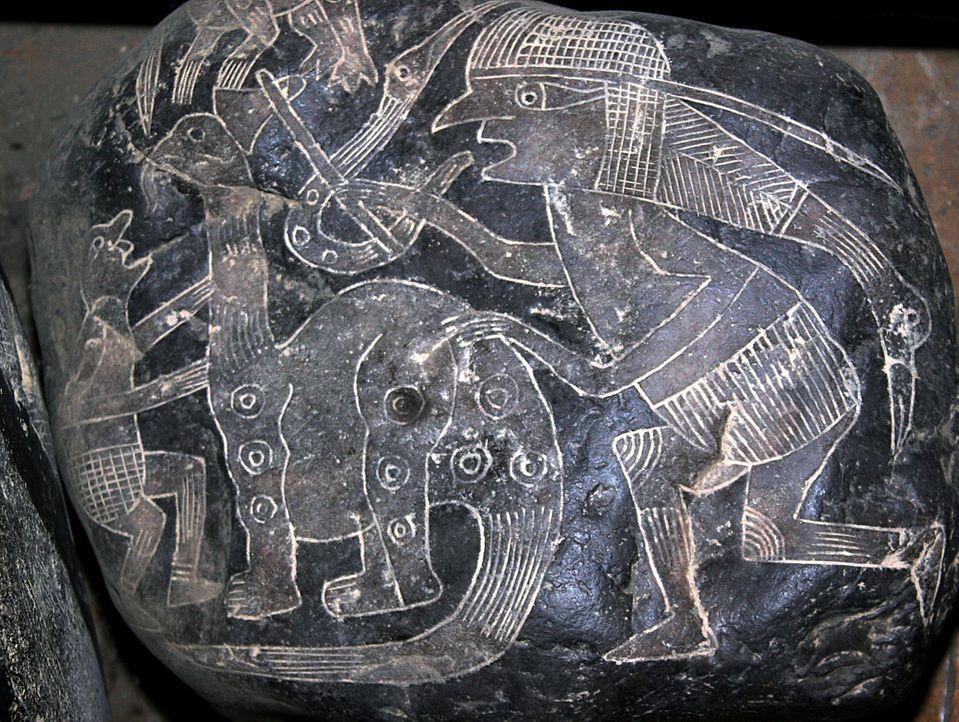 In der größten historischen Tempelanlage der Welt, Angkor Wat, haben Forscher erstaunliches entdeckt: die Darstellung eines Dinosauriers. Doch wie k... - Bildquelle: Tatjana Ingold