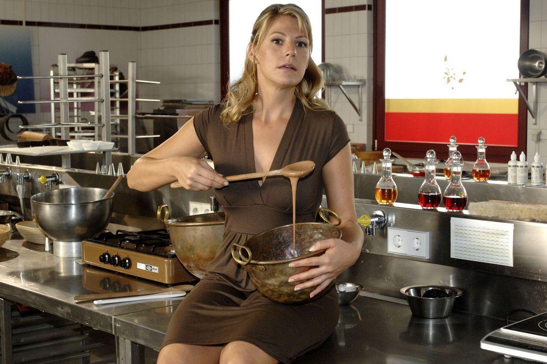 Katharina (Sophie Schütt) kann gute Schokolade herstellen, doch es fehlt ihr die Erfahrung im Vertrieb. Ein erfahrener Mann wie Pit könnte ihr hel... - Bildquelle: Sat.1