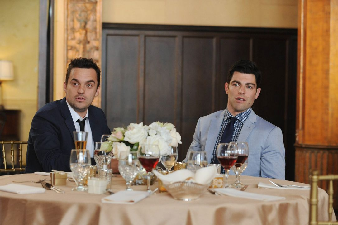 Noch ahnen Nick (Jake Johnson, l.) und Schmidt (Max Greenfield, r.) nicht, dass ihnen bald ein unmoralisches Angebot gemacht wird ... - Bildquelle: 2014 Twentieth Century Fox Film Corporation. All rights reserved.