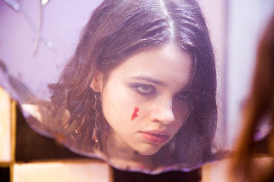Sieht so unschuldig aus, ist aber eine gnadenlose Tötungsmaschine: Sawa (India Eisley) ...