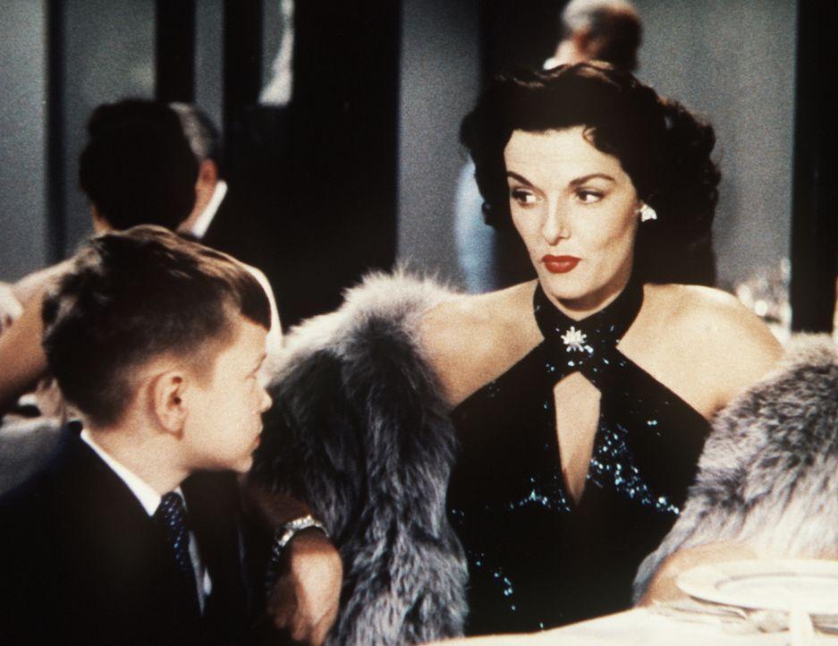 Dorothy (Jane Russell, r.) ist zwar an Männern mit Geld interessiert, aber der kleine Henry Spofford III. (George Winslow, l.) ist noch etwas zu jun... - Bildquelle: 20th Century Fox Film Corporation