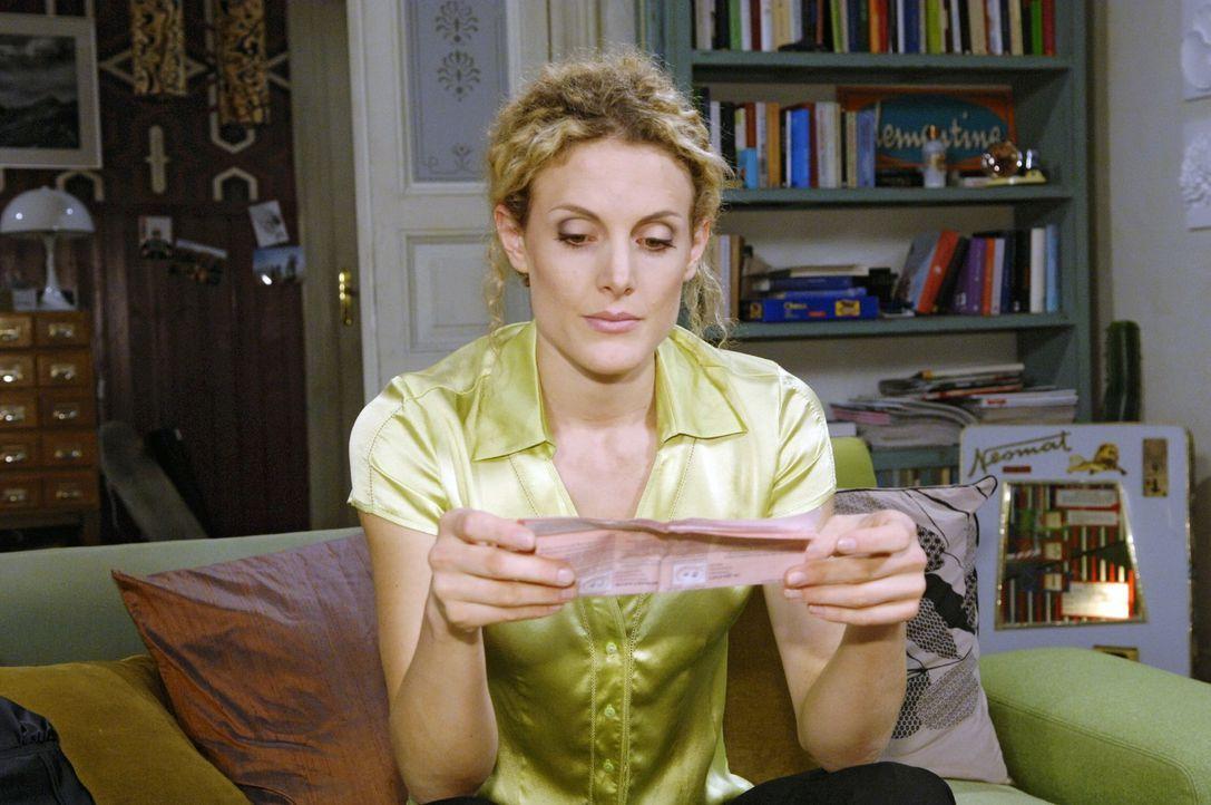 Maja (Barbara Lanz) hofft, dass sie nicht schwanger ist. - Bildquelle: Claudius Pflug Sat.1