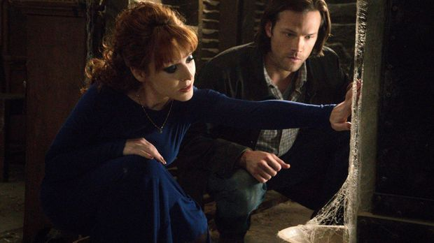 Nachdem Sam (Jared Padalecki, r.) von einer magischen Kiste erfahren hat, die...