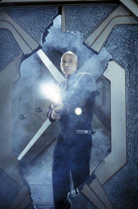 Die Enterprise fängt in unbekanntes Signal von einem unbewohnten System auf. Ein Außenteam, das von Captain Jean-Luc Picard (Patrick Stewart) und... - Bildquelle: Paramount Pictures