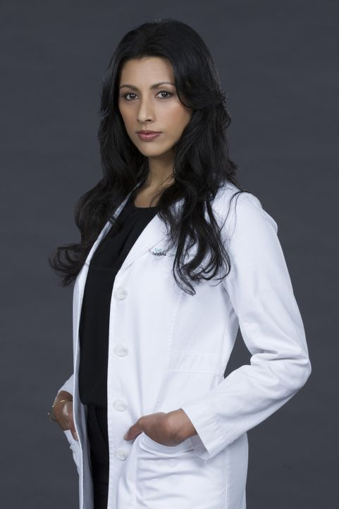 Wird die ambitionierte Neurochirurgin Dr. Talaikha Channarayapatra (Reshma Shetty) mit ihrem Können und Wissen Patienten helfen können, denen in and... - Bildquelle: Sonja Flemming 2016 CBS Broadcasting, Inc. All Rights Reserved