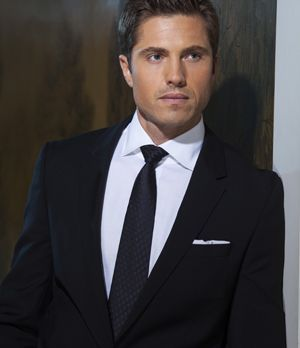 "Eric Winter spielt Dash Gardiner in ""Witches of East End"""