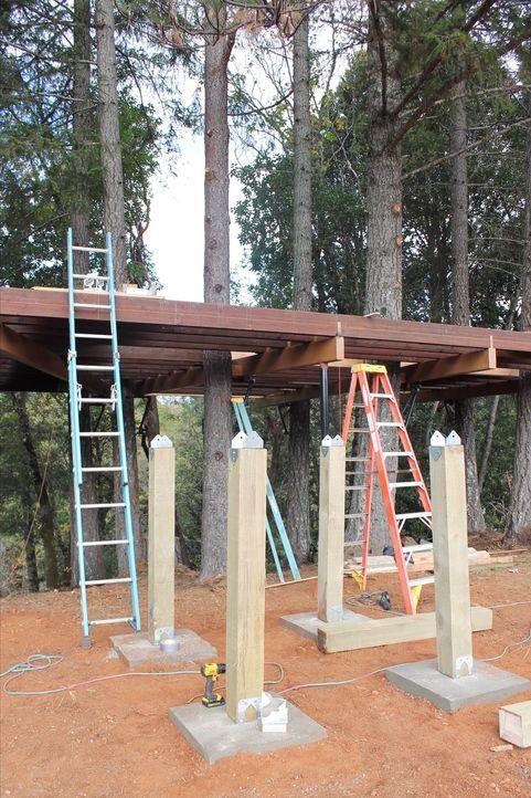 Eine neue Herausforderung für die Treehouse Guys steht bevor: Die Boltz-Familie aus O'Brien wünscht sich ein Baumhaus im Western-Look, in dem sie mi... - Bildquelle: 2016, DIY Network/Scripps Networks, LLC. All Rights Reserved.