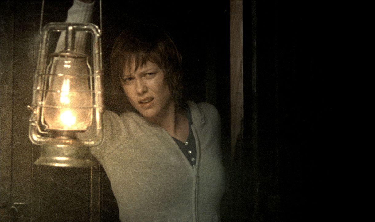 Nach einem Unfall in den Bergen suchen fünf Freunde (Ingrid Bolso Berdal) Unterschlupf in einem verlassenen Hotel. Was sie nicht ahnen, so verlasse... - Bildquelle: Telepool GmbH