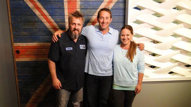 Peppa (r.) und John (l.) wünschen sich von Josh (M.) ein cooles Arbeitszimmer...