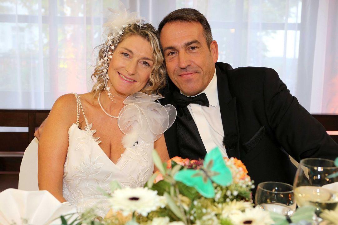 Ein spannender Tag wartet auf das Brautpaar Döres, denn sie werden ihre Hochzeit noch einmal erleben ... - Bildquelle: SAT.1