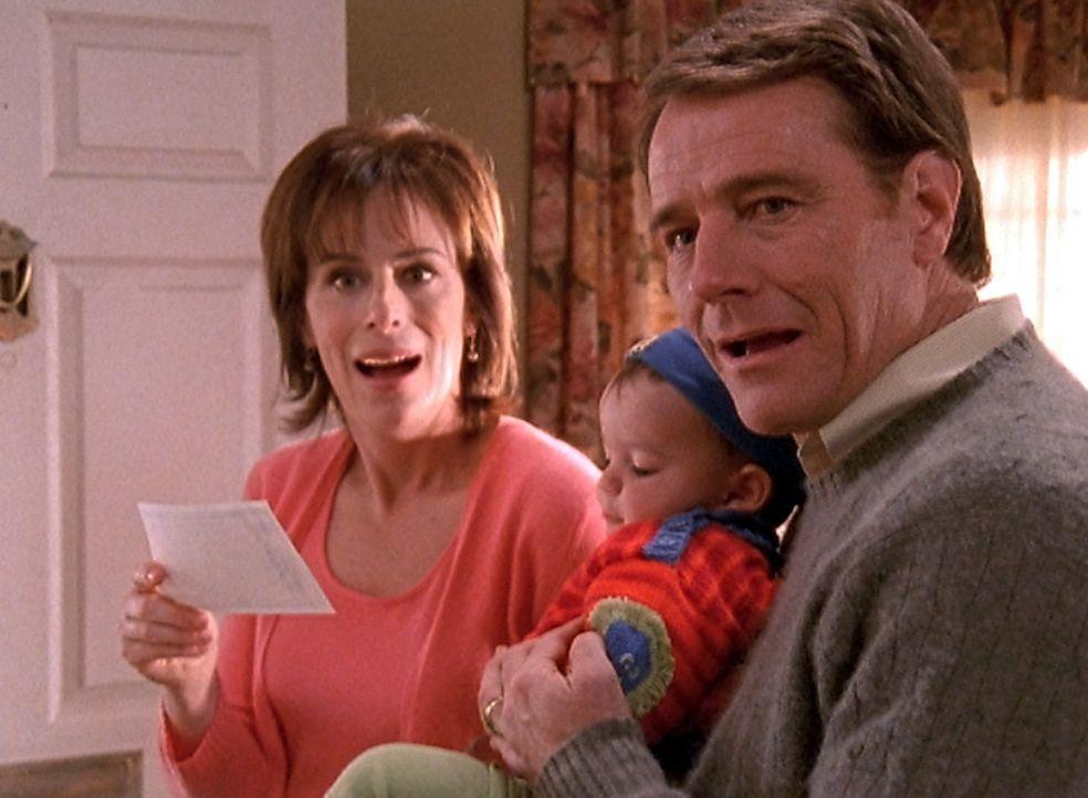 Bei ihrer Ankunft macht Lois Schwester Susan den Kindern große Geschenke. Nur das Geschenk für Jamie, ein Sparbuch mit fünftausend Dollar, wird v... - Bildquelle: TM +   2000 Twentieth Century Fox Film Corporation. All Rights Reserved.