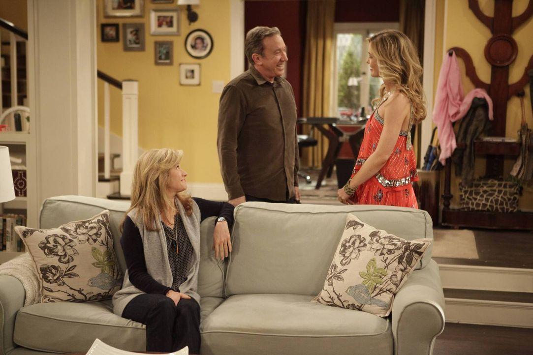 Noch freuen sich Vanessa (Nancy Travis, l.) und Mike (Tim Allen, M.) über den Besuch von April (Christina Moore, r.) ... - Bildquelle: 2014 Twentieth Century Fox Film Corporation. All rights reserved.