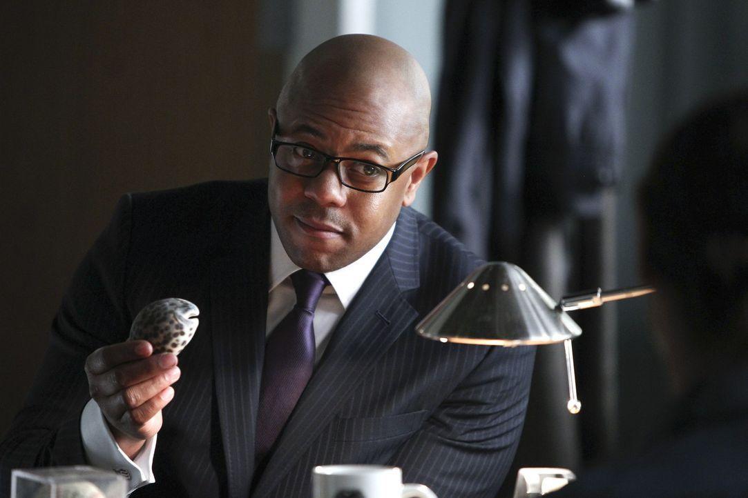 Auf der Suche nach Patrick Jane: FBI Agent Dennis Abbott (Rockmond Dunbar) ... - Bildquelle: Warner Brothers Entertainment Inc.