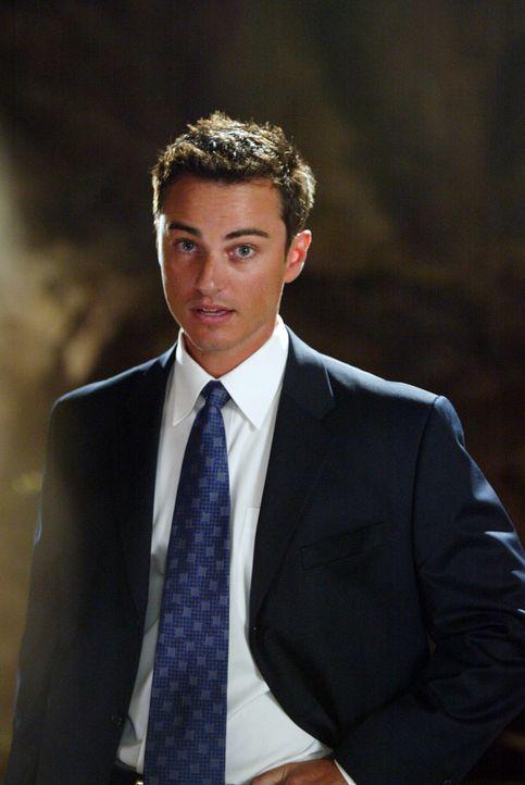 """Kyle (Kerr Smith), ein FBI Agent der """"Dark Operatives Unit"""", glaubt an Übernatürliches und versucht  den Halliwell-Schwestern zu helfen ... - Bildquelle: Paramount Pictures"""