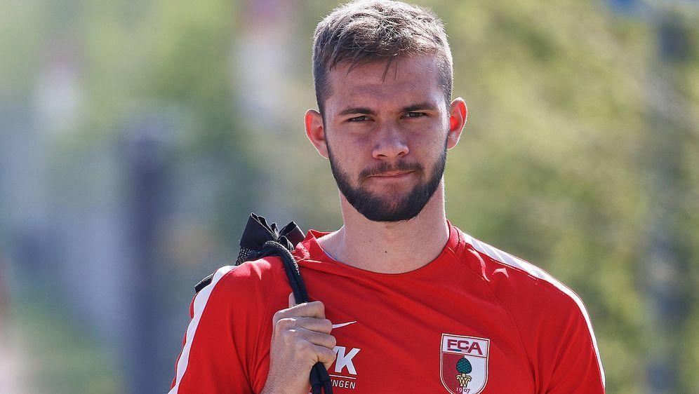 Simon Asta erhält einen Profivertrag vom FC Augsburg - Bildquelle: imago/Krieger