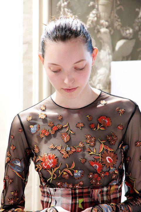 GNTM-Stf10-Epi14-Fashion-Week-Paris-126-Ajsa-ProSieben-Kristin-Hesse - Bildquelle: ProSieben/Kristin Hesse