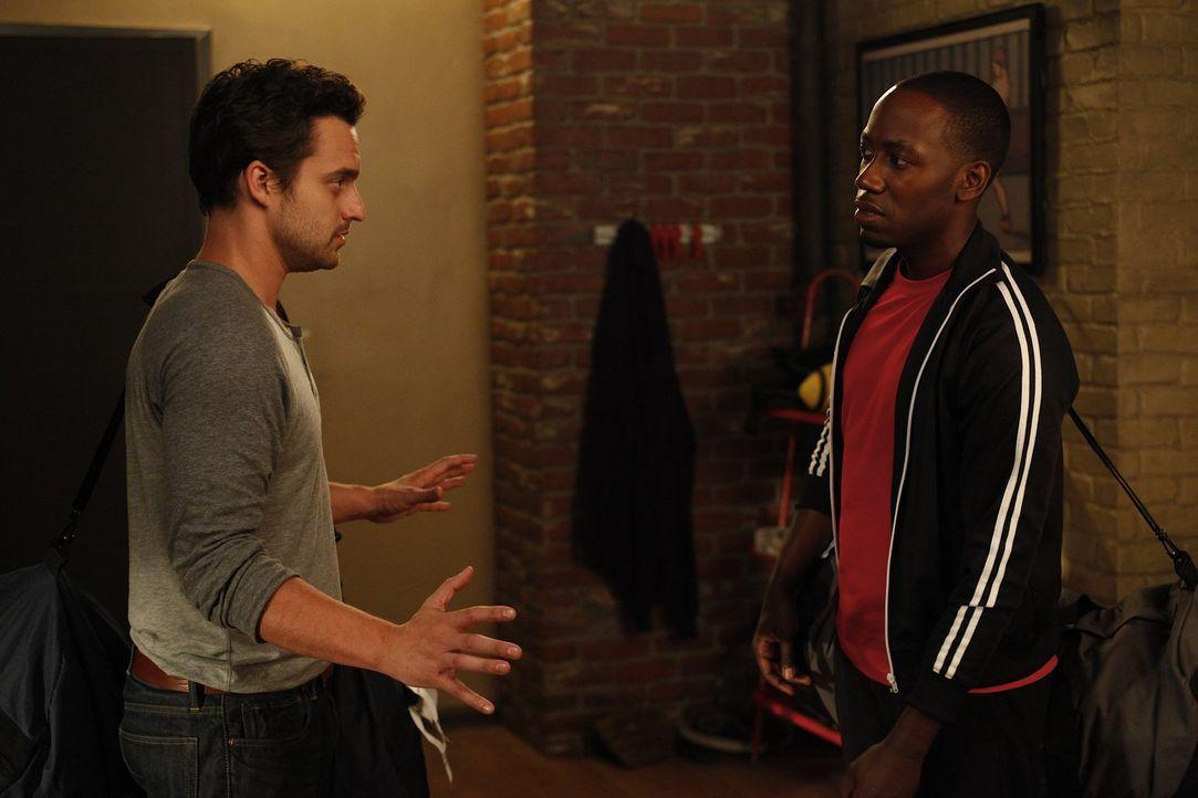 Stehen Jess bei: Nick (Jake M. Johnson, l.) und Winston (Lamorne Morris, r.) ... - Bildquelle: 20th Century Fox