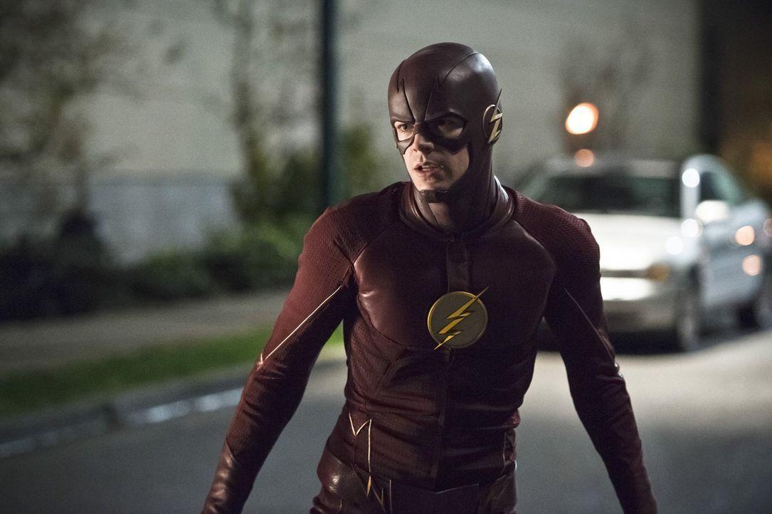 Ein neuer Feind stellt Barry alias The Flash (Grant Gustin) vor einige Herausforderungen ... - Bildquelle: 2015 Warner Brothers.