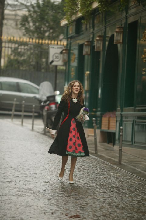 Carrie (Sarah Jessica Parker) kann sich an das Leben in Paris nicht gewöhnen ... - Bildquelle: Paramount Pictures