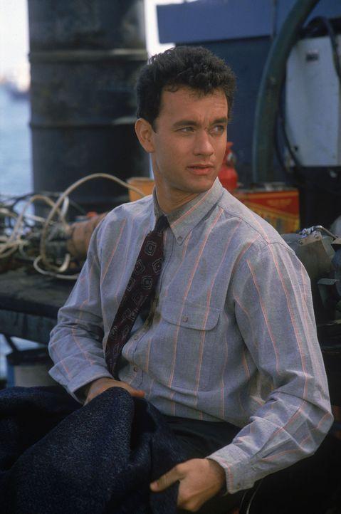 Der pedantische Polizist Scott Turner (Tom Hanks) hat nur einen Zeugen - und das ist dummerweise ein riesiger Köter ... - Bildquelle: Touchstone Pictures