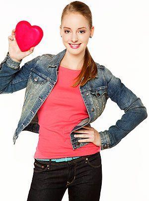 Beas Nichte Lara, die Tochter von Miriam und Piet, ist ein typischer Teenager. Im Augenblick interessiert sich die quirlige Sechszehnjährige mehr f... - Bildquelle: Bernd Jaworek - Sat1