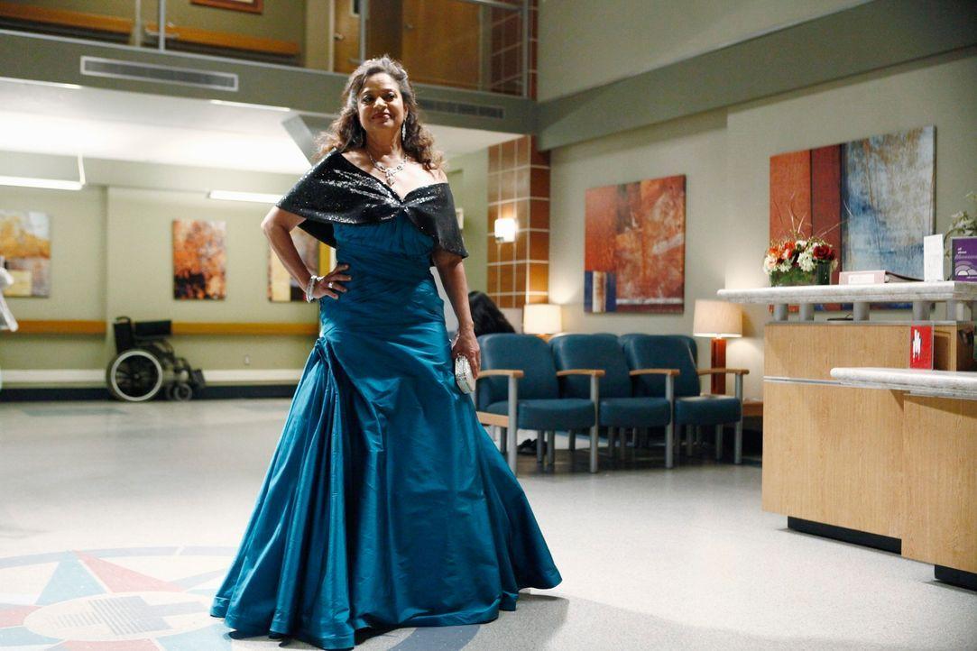 Kommt mit einem ganz besonderen Plan zurück ins Seattle Grace Hospital: Dr. Catherine Avery (Debbie Allen) ... - Bildquelle: ABC Studios